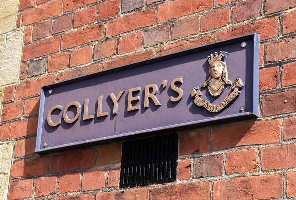 collyers plaque